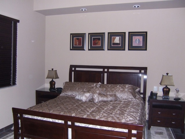 22) King Size Bed